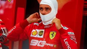 Leclerc domina Singapura e faz a 3ª pole consecutiva na temporada