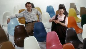 Conheça a história da lendária cadeira Eames, ícone do design de móveis