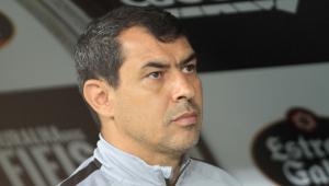 Carille ironiza protestos de torcedores do Corinthians: 'Foi legal pra caramba'