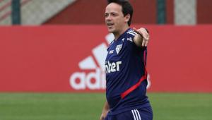 Fernando Diniz defende departamento médico do São Paulo após série de lesões