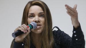 Deputada Flordelis participa de reconstituição de morte do marido