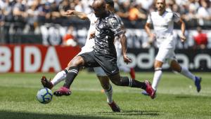 Corinthians toma gol olímpico no fim e cede empate ao Ceará em Itaquera
