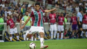 Igor Julião renova contrato com o Fluminense até 2021
