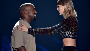 Taylor Swift comenta tretas com Kanye West e diz que ele é 'duas caras'