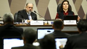 CCJ vota PEC paralela da Previdência em novembro, diz senadora