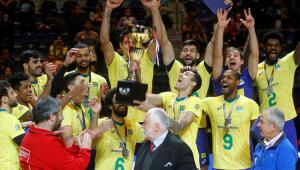 Brasil salva match point, vence Argentina e é campeão do Sul-Americano de vôlei pela 32ª vez