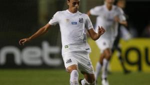 Sem treinar, Pituca pode ser baixa no Santos em duelo contra o Grêmio