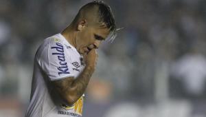Grêmio goleia o Santos na Vila e deixa rival longe da liderança