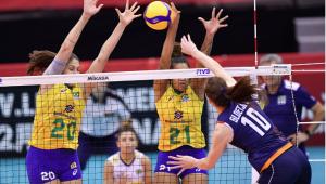 Seleção feminina de vôlei é massacrada pela Holanda e perde a 1ª na Copa do Mundo