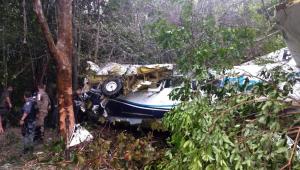Avião de pequeno porte cai em Manaus e deixa 10 pessoas feridas