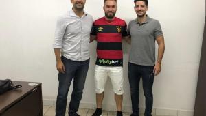 Ex-São Paulo, meio-campista William Farias assina com o Sport até 2020