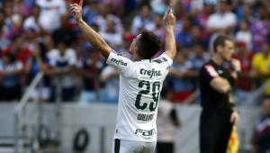 Palmeiras joga feio, mas vence Fortaleza e segue à caça do líder Flamengo