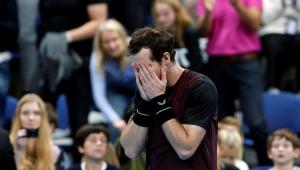 Andy Murray cai no choro ao conquistar o primeiro título desde 2017