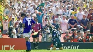 Roberto Baggio diz ter implorado para que mãe o matasse após 1ª lesão
