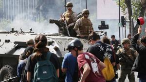 Presidente do Chile se reúne com lideranças em busca de um acordo