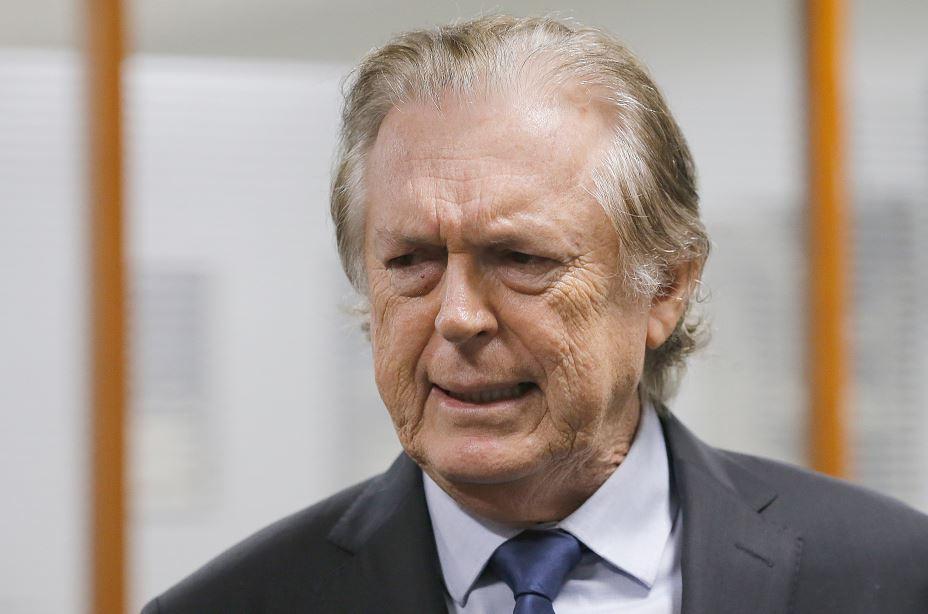 PSL suspende cinco deputados bolsonaristas e amplia poder de ala pró-Bivar