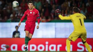 Cristiano Ronaldo marca e Portugal vence nas Eliminatórias da Euro