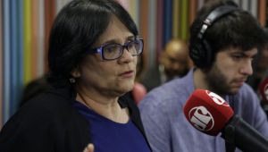 Damares defende educação sexual: 'Eu não aceito que abuso seja cultura no meu País'