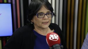 Damares diz que Crivella errou ao determinar recolhimento de quadrinhos LGBT