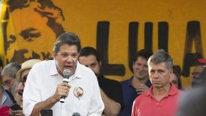 Em ato por Lula, Haddad diz que 'não tem hipótese' de ser 'cada um por si' na esquerda em 2020