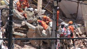 Bombeiros confirmam terceira morte após queda de prédio em Fortaleza