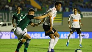 Corinthians é salvo pelo VAR e empata com o Goiás, que teve dois expulsos