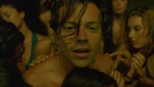 Harry Styles lança 'Lights Up', primeira faixa desde 2017; veja o clipe
