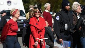 Jane Fonda é novamente presa em protestos pelo meio ambiente nos EUA