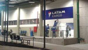 Criminosos roubam terminal de cargas no Aeroporto Galeão no RJ
