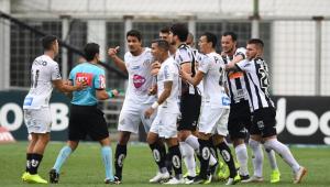 Atlético-MG encerra jejum e vence o Santos por 2 a 0 em casa