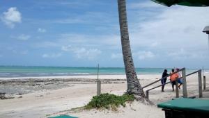 Homem morre afogado após salvar mulher em praia de Pernambuco