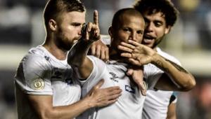 Carlos Sánchez diz preferir parceria com Victor Ferraz: 'Nos entendemos muito'