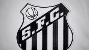 Santos homenageia Pelé com coroa sobre escudo da camisa 10 até o fim de 2019