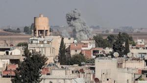 Curdos se retiram de cidade síria na fronteira com a Turquia