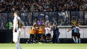 Na estreia de Valentim, Vasco bate o Botafogo e abre folga para a zona do rebaixamento