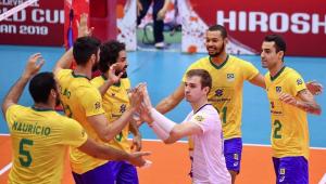 Brasil arrasa Tunísia e mantém folga na ponta da Copa do Mundo de vôlei